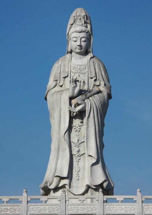 Papel de la mujer en la religión: Religión Tradicional China. Diosa de la Compasión y Misericordia: Guan Yin.