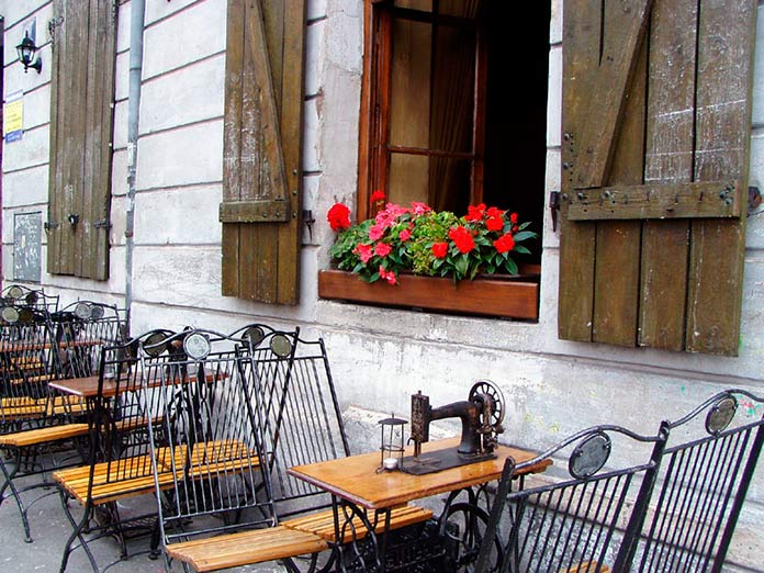 Singer Café, Cracovia