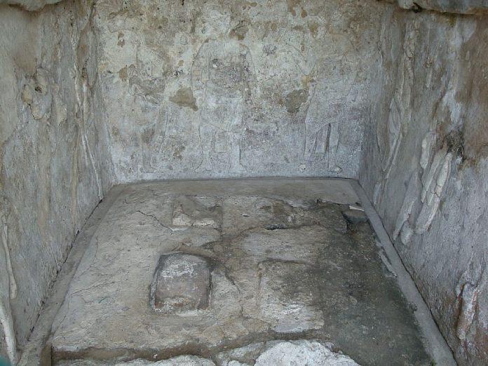 """Templos mayas. Comalcalco. """"Tumba de los Nueve Señores de la Noche""""."""