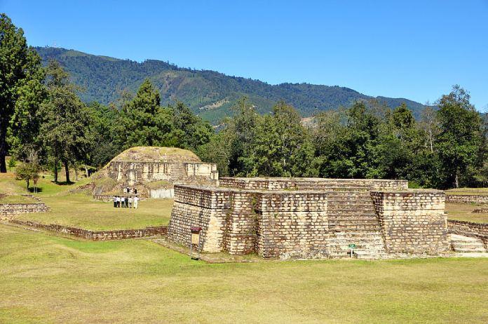 Templos mayas, Iximché. Vista panorámica