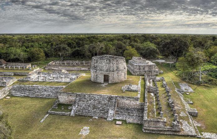 Templos mayas. Mayapán. Vista de Mayapán.