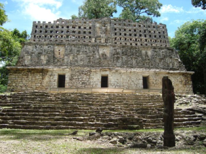 Templos mayas. Yaxchilán. Estructura # 33.