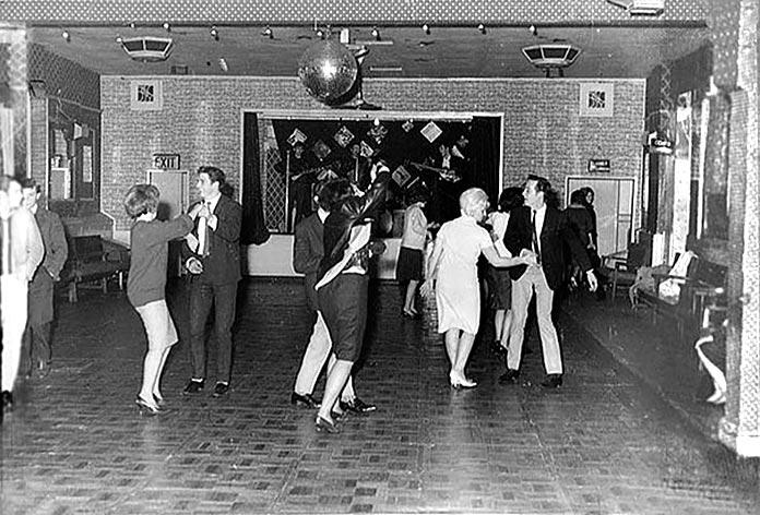 Los Beatles actúan para 18 personas en The Aldershot Club