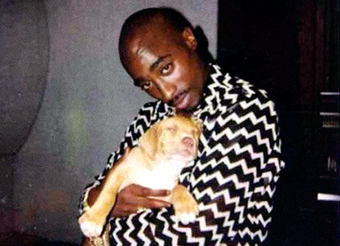 Tupac Shakur con su perro