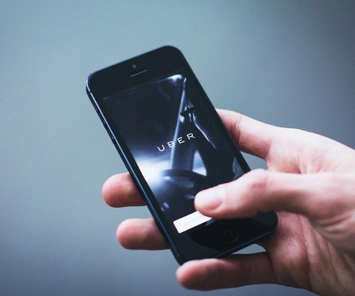 Uber muda su programa de vehículos autónomos a Arizona