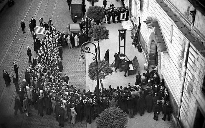 la guillotina cae sobre Eugen Weidmann