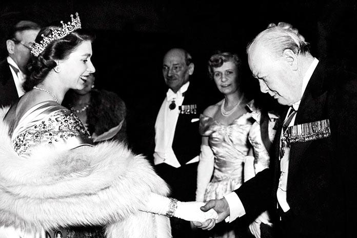 Isabell II y Winston Churchill