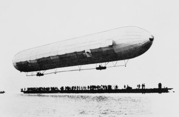 Zeppelin-En-La-Primera-Guerra-Mundial-Luftschiff-Zepelin-1
