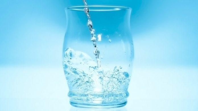 Vaso de agua filtrada