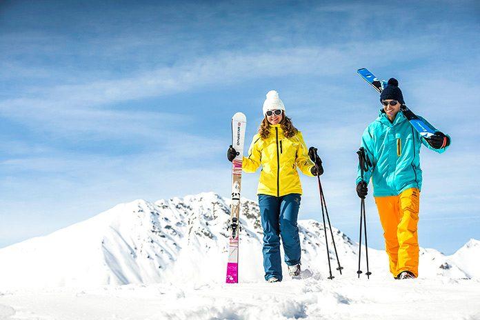 Cómo conseguir el alquiler del material de esquí más económico