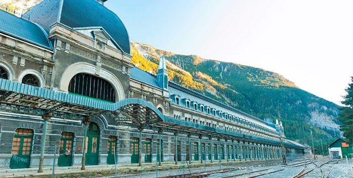 Canfranc: de estación de tren a hotel cinco estrellas.