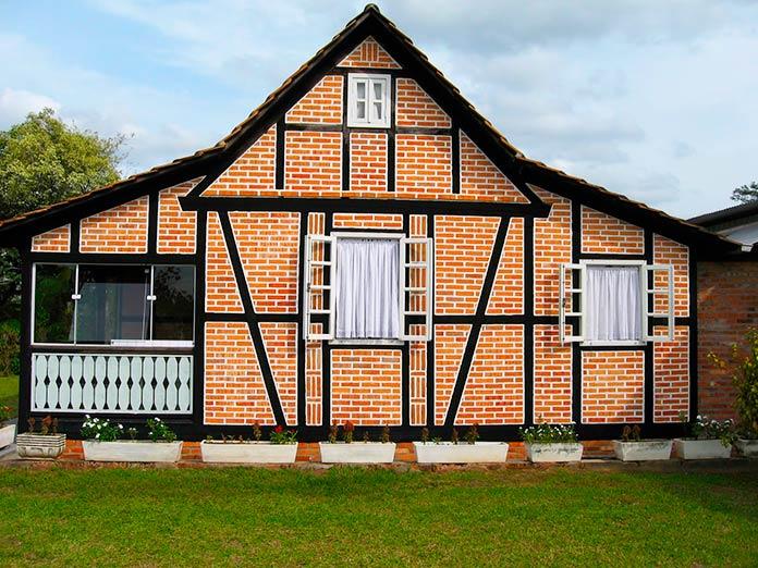 Casa con entramado de madera