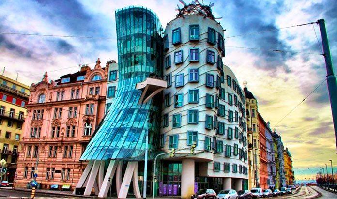 La Casa Danzante de Praga: amada y odiada.