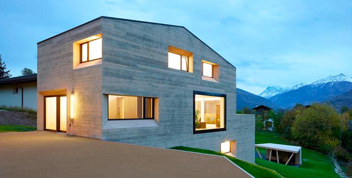 Casa fabricada con bloques de hormigón convencional