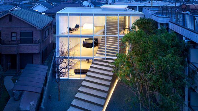 La casa de la escalera: una impactante edificación que conecta Tokio con el cielo