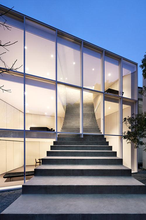 Casa de la escalera - Fachada noche