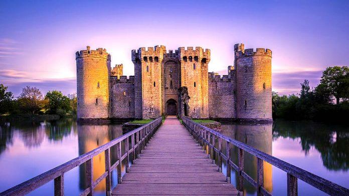 Especial castillos abandonados: 21 impactantes fortalezas arrolladas por el tiempo