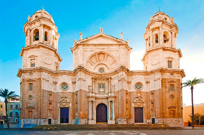 Fachada de la Catedral de Cádiz.