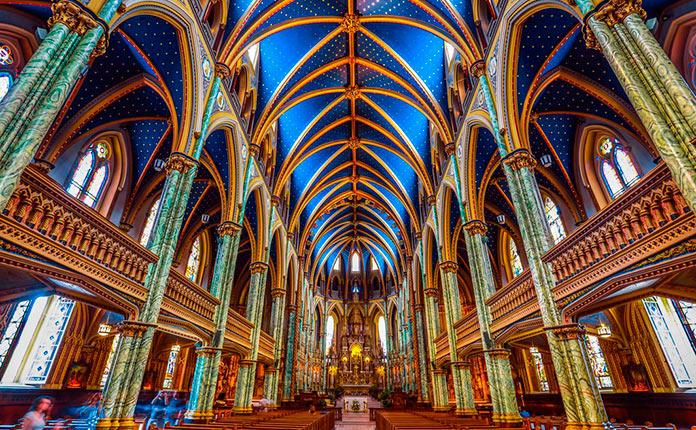 Interior de la catedral de Notre Dame