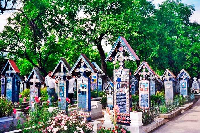 Cementerio alegre de Sapanta 4