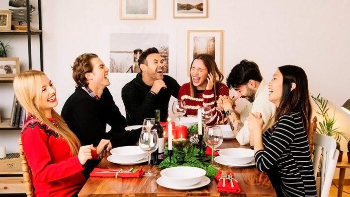 cena de Navidad entre amigos