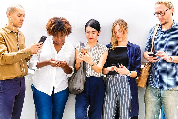 Recursos propios en la comunicación en redes sociales