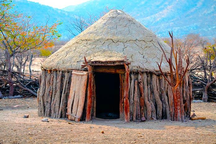 Construcción himba en el desierto