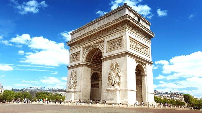 Edificios antiguos:  Arco de Triunfo de París