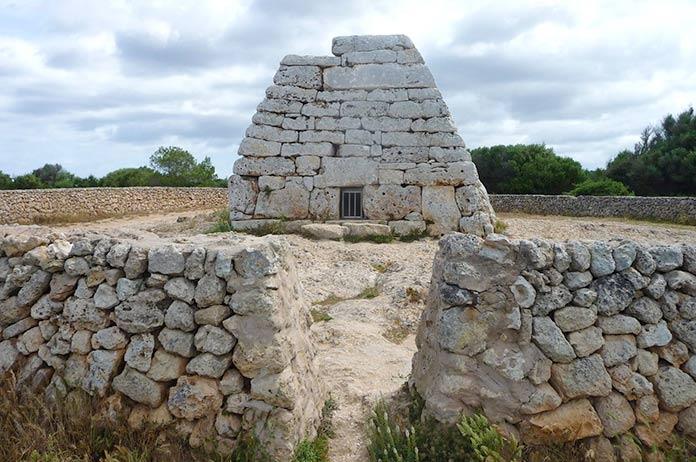 Naveta des Tudons, Menorca