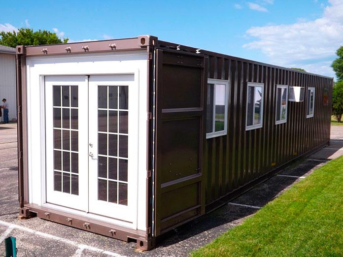 Casa construida en un contenedor de metal