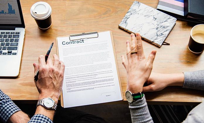 Firma de contrato indefinio