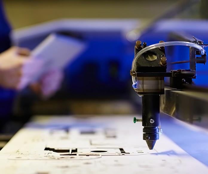 máquina industrial de corte láser