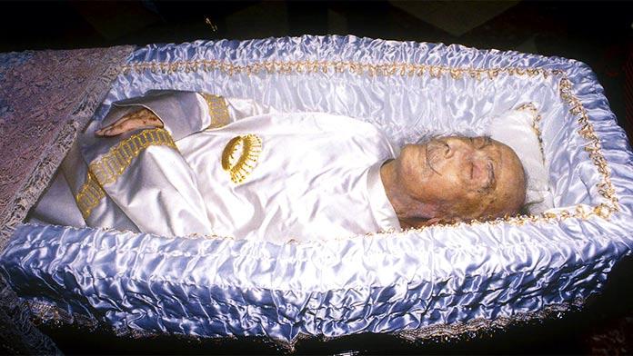 embalsamamiento de Salvador Dalí