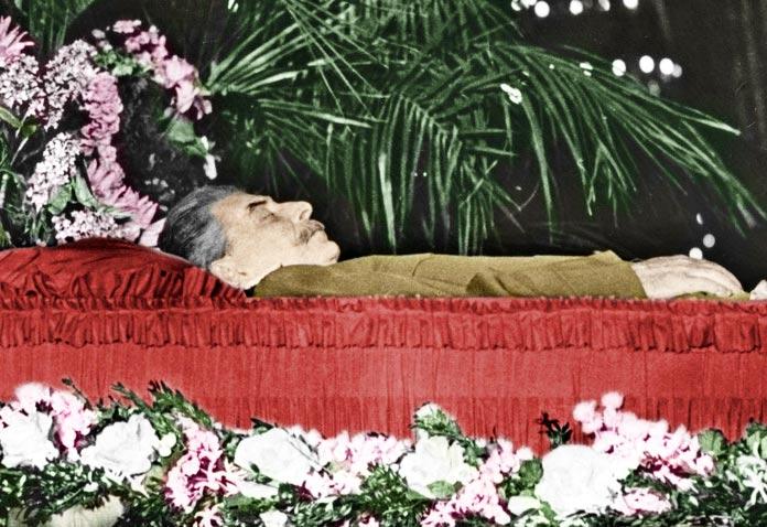 Cuerpo embalsamado de Iósif Stalin.