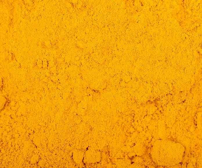 plane detalle de cúrcuma en polvo