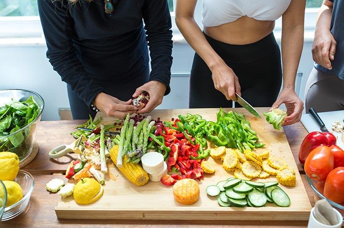 Llevar una dieta equilibrada para mejorar el sistema inmunológico