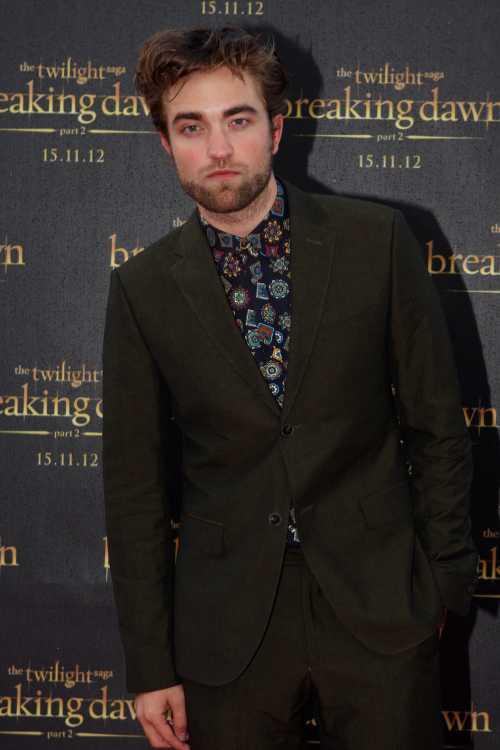 Actores famosos que empezaron como modelos - Robert Pattinson