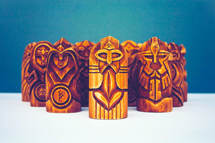Figuras de dioses escandinavos