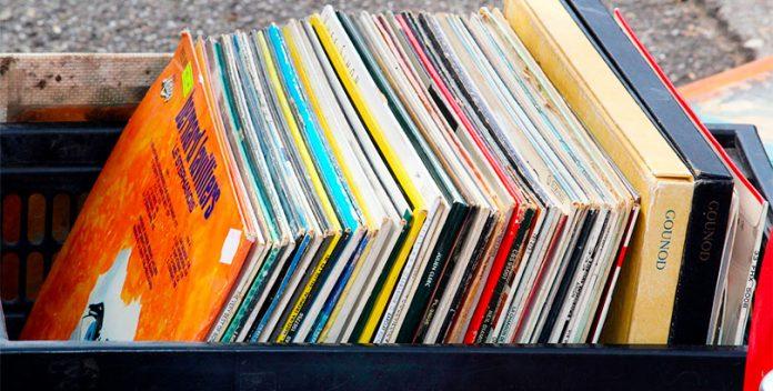 Aumenta la venta de discos de vinilo y cassettes en EE.UU.