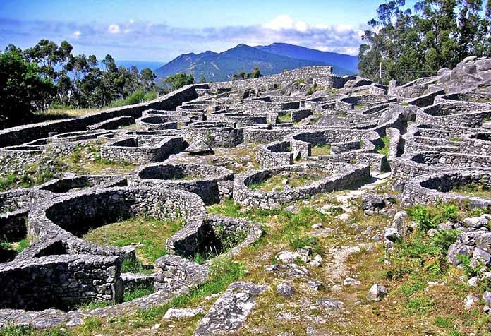 Edificios antiguos: Castro de Santa Tecla