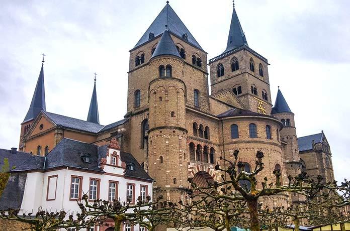 Edificios antiguos: Catedral de San Pedro de Tréveris, Alemania