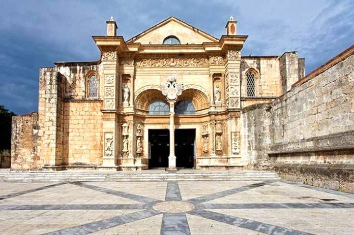 Edificios antiguos: Catedral de Santo Domingo, República Dominicana