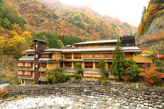 Edificios antiguos: Hotel Nishiyama Onsen Keiunkan, Japón