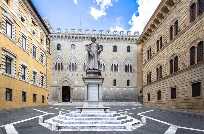 Palazzo Salimbeni, Italia