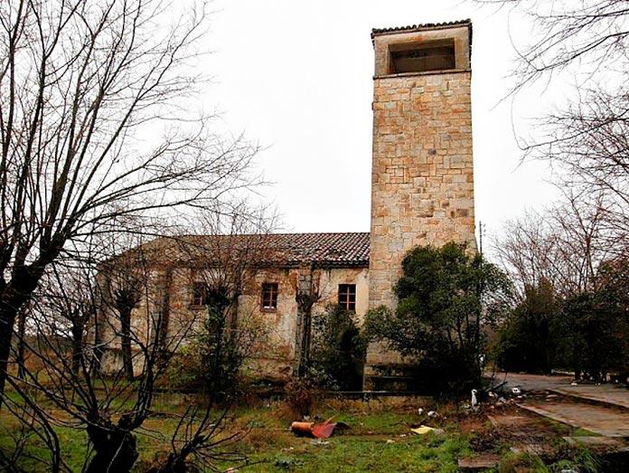 Iglesia parroquial del pueblo Alamín