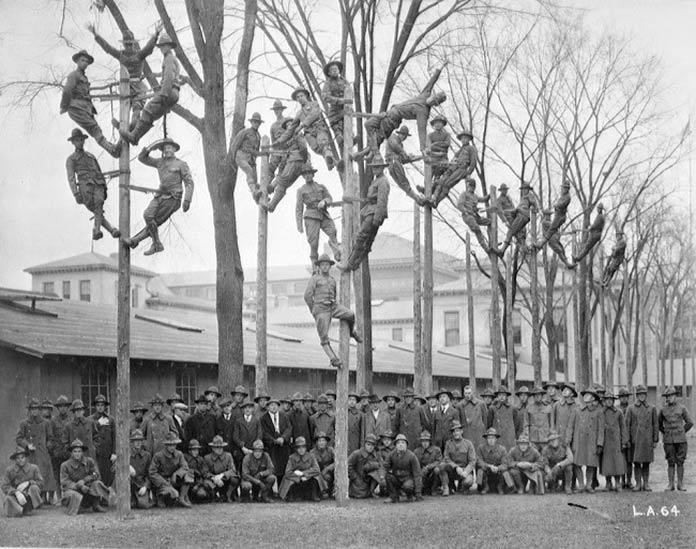 Militares electricistas
