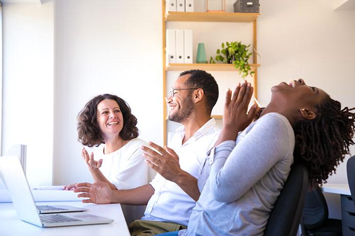 felicidad en el trabajo - divertirse