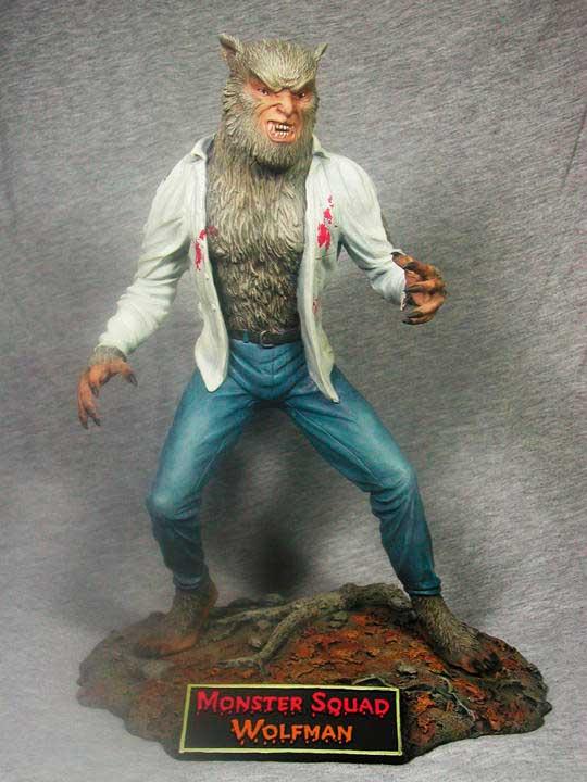 Figura de colección de El hombre lobo de la película Una Pandilla Alucinante
