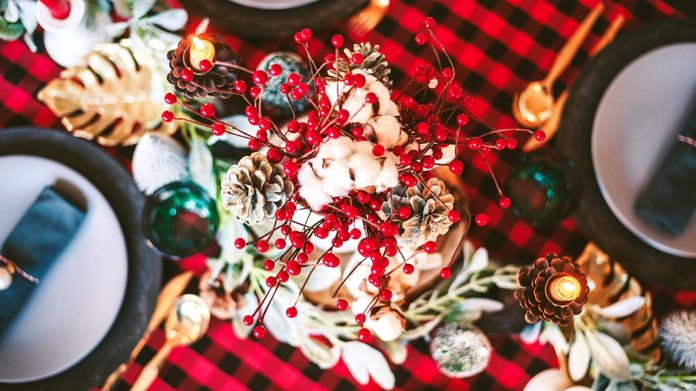 Flores navideñas: cuáles elegir y qué tener en cuenta para decorar la mesa