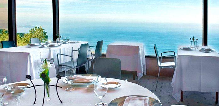 Disfrutar de la gastronomía a la orilla del mar